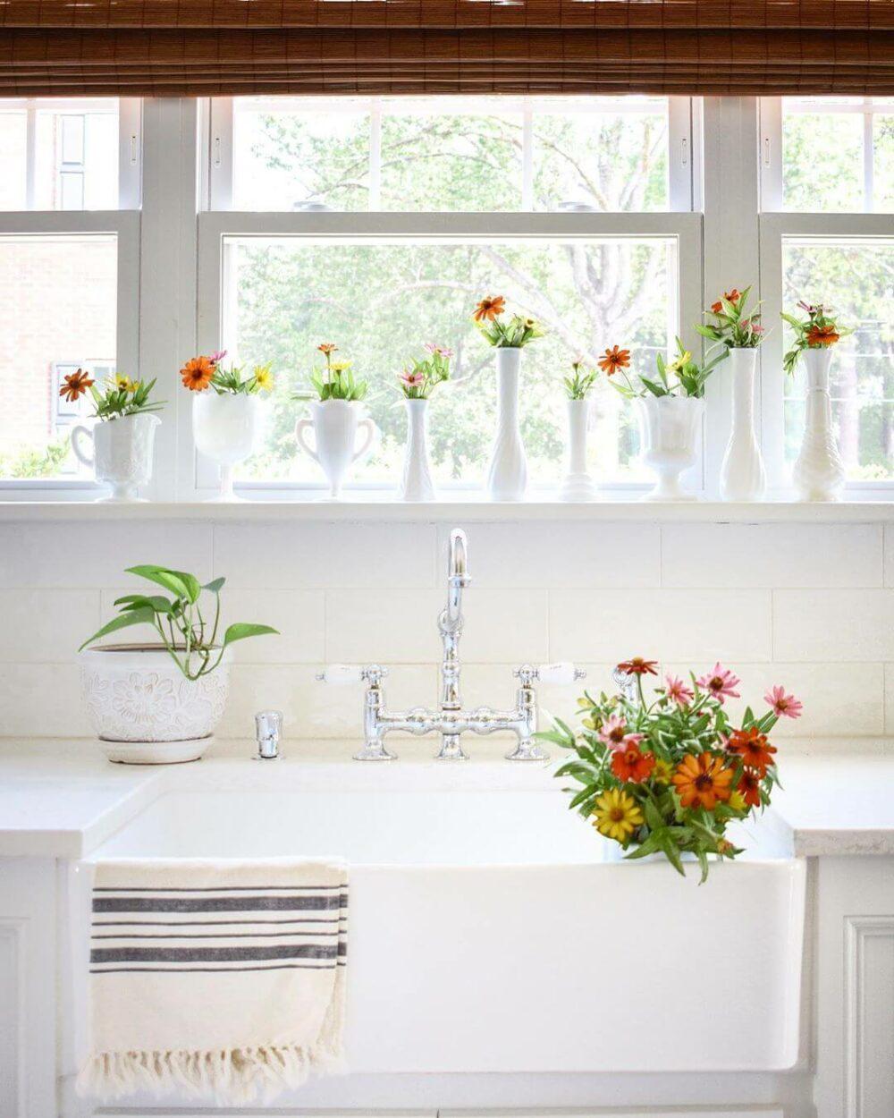 kitchen sink decorating ideas