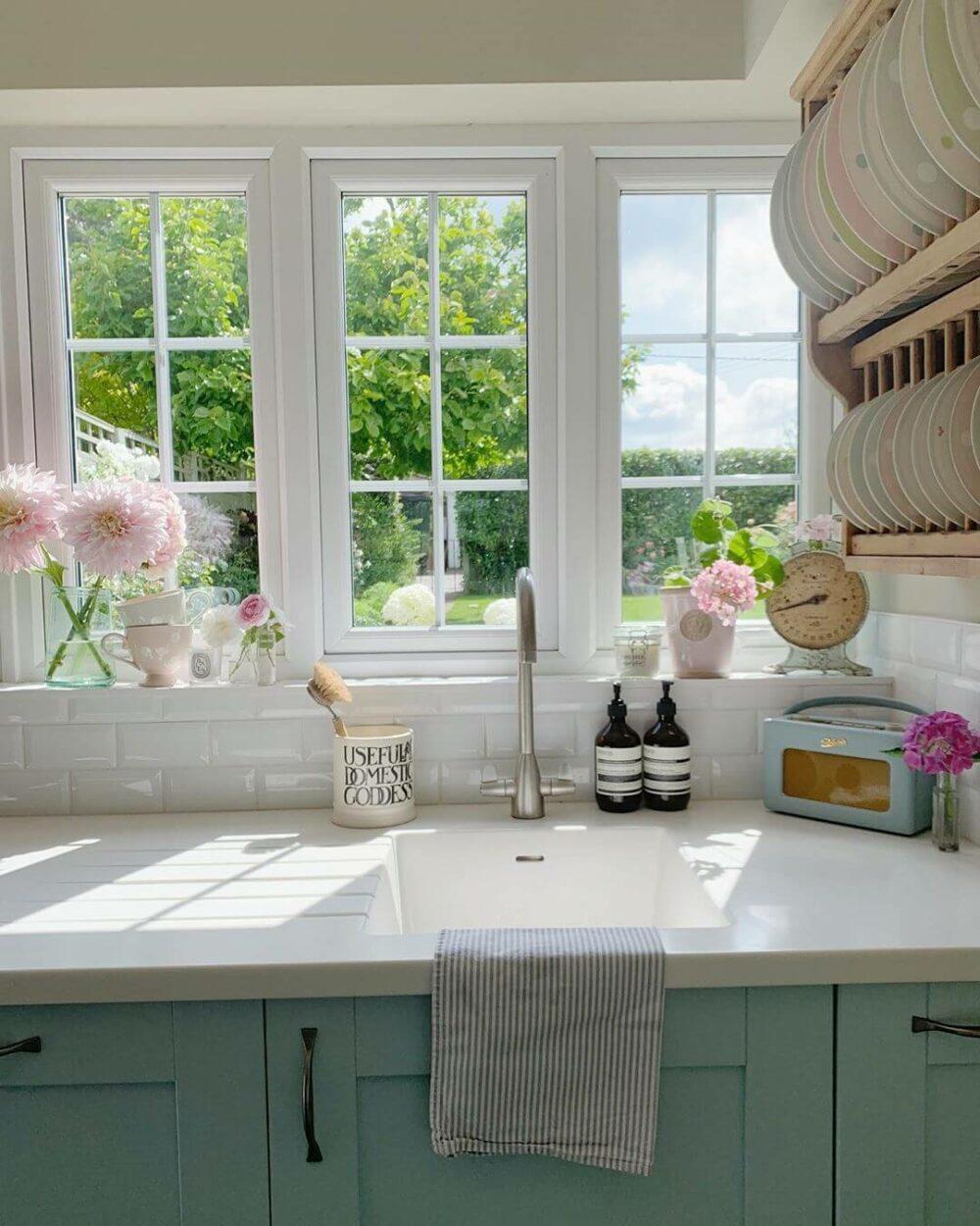 kitchen sink ideas with window