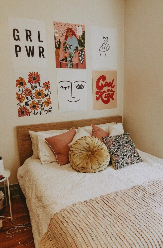minimalist bedroom wall decor