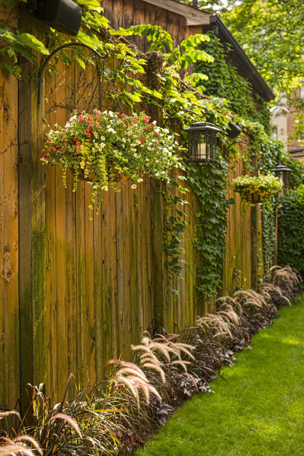 backyard wooden fence ideas