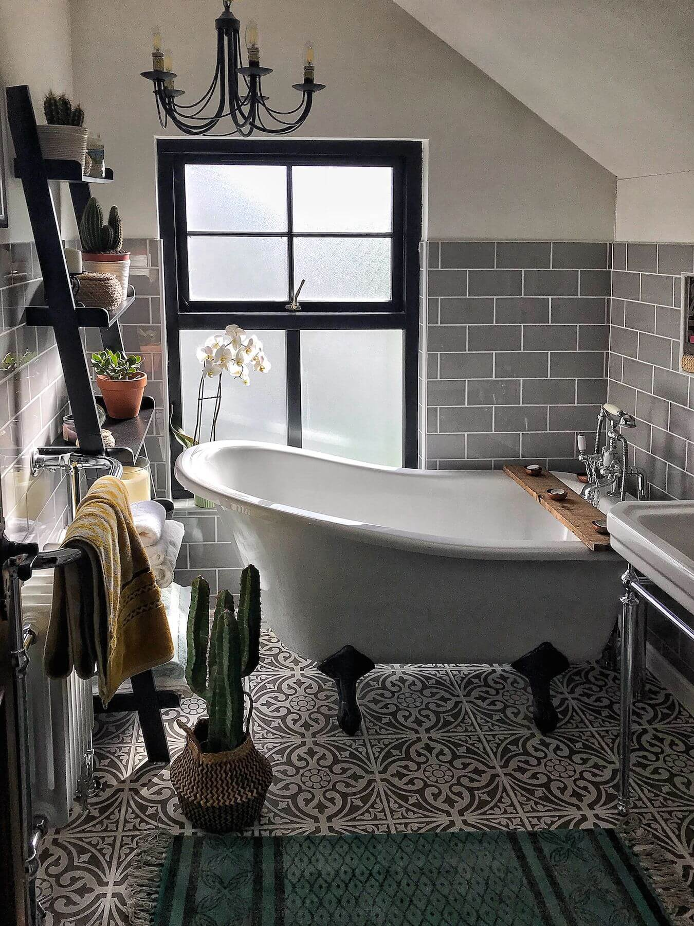 clawfoot tub bathroom ideas