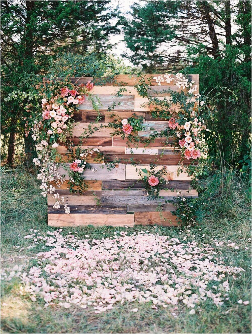 wooden pallet wedding ideas