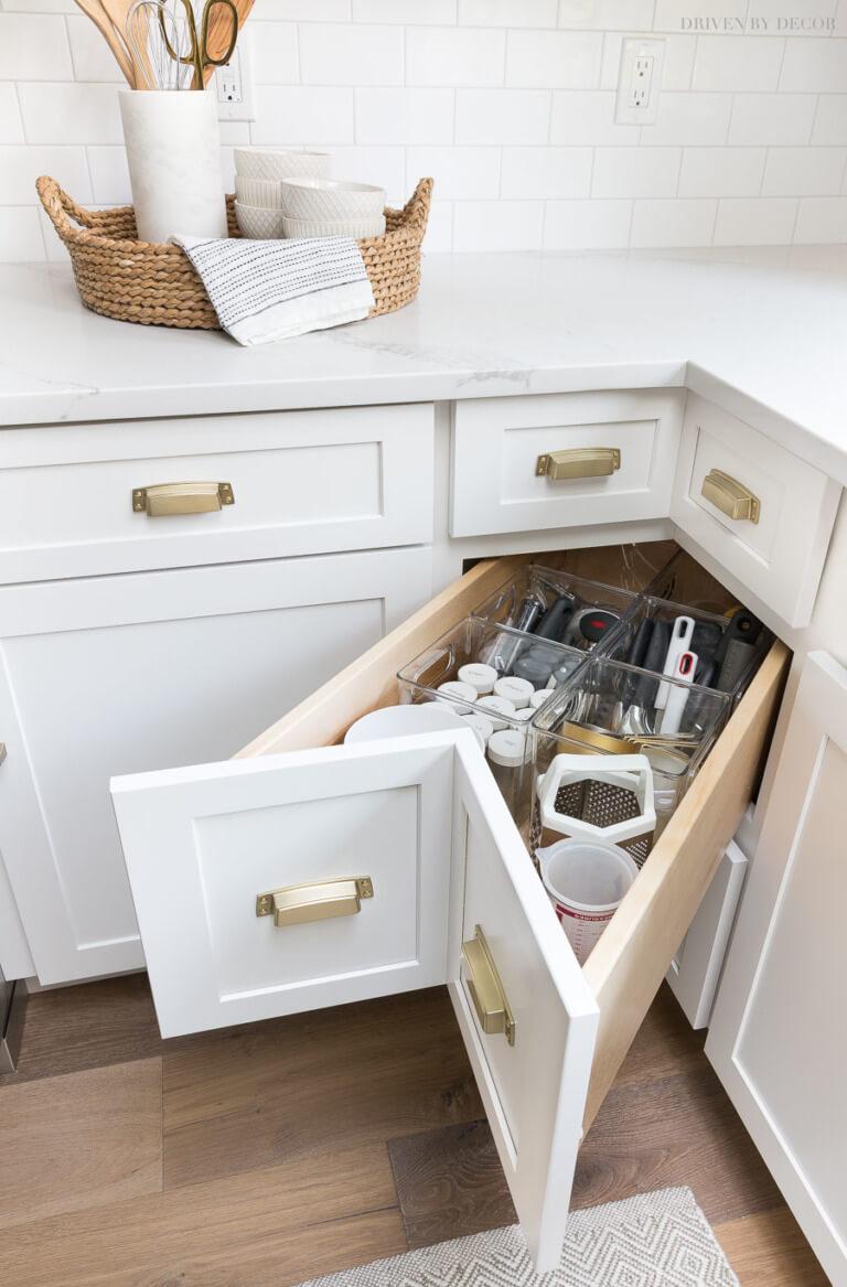 corner kitchen cabinet drawers
