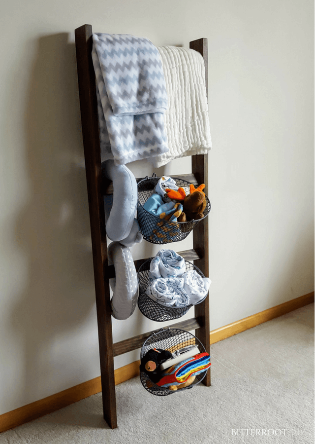 diy freestanding blanket ladder