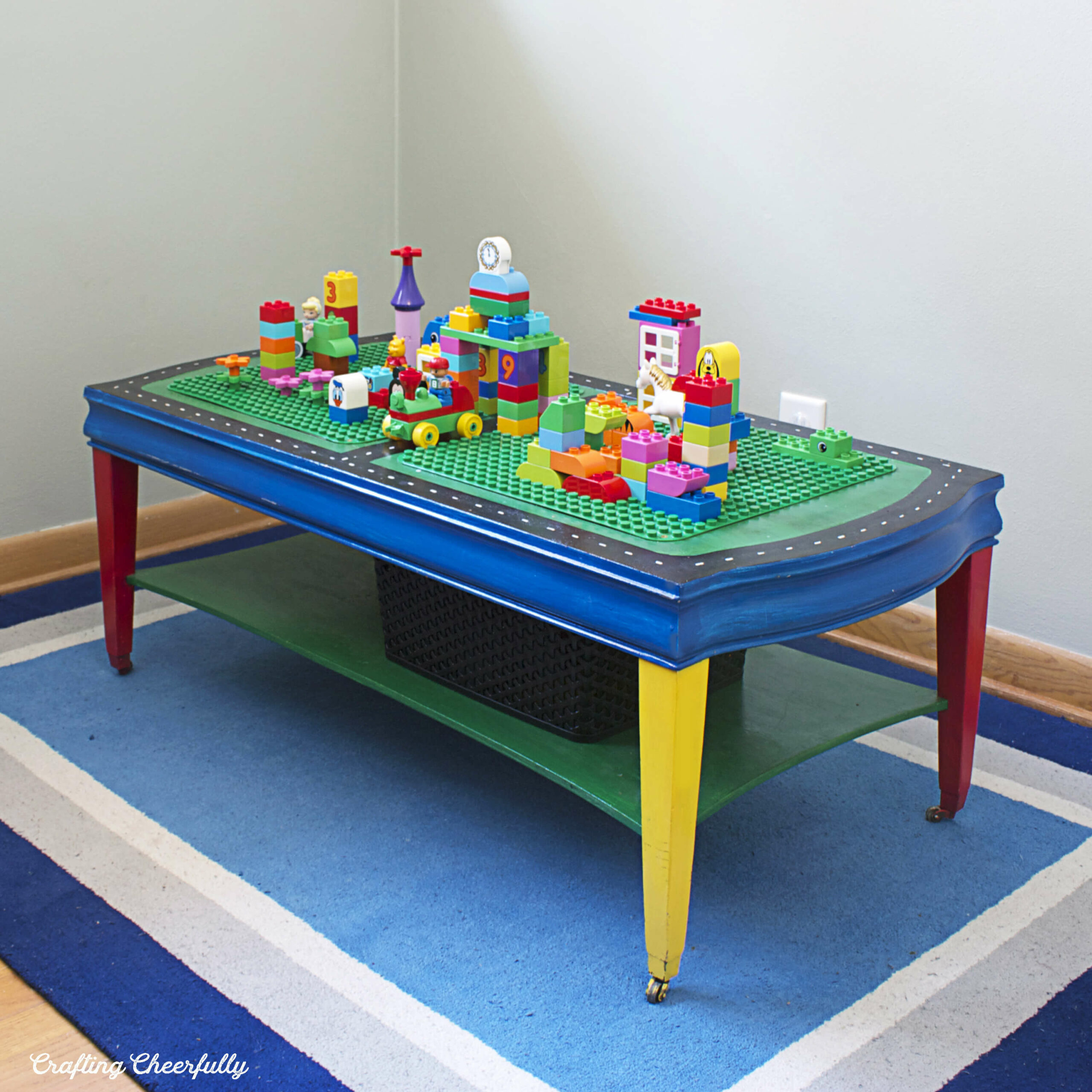 Build a DIY Lego table