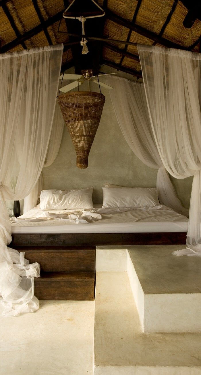 Chic Canopy Beds Ideas