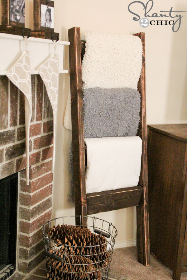 how to make a diy blanket ladder